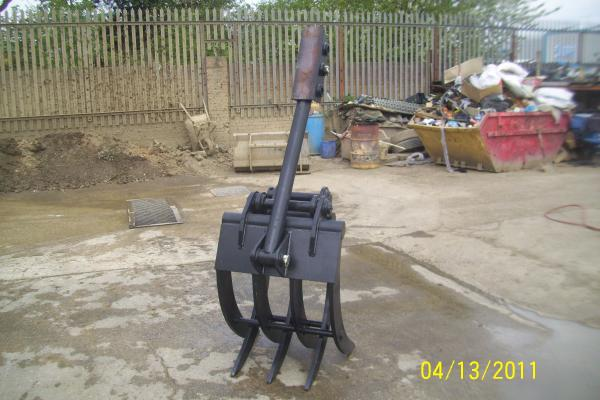 NEW 7 TYNE FINGER GRAPPLE